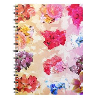 Lilla buketter av oavkortad färg för blommor anteckningsbok med spiral