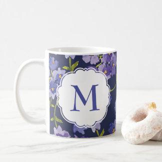Lilor & blått personifierad blom- mugg för