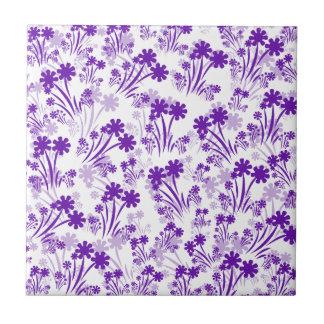 Lilor blommar keramiskt belägger med tegel liten kakelplatta