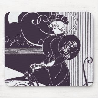 Lilor för art nouveau för kvinna för vintagecykela musmatta
