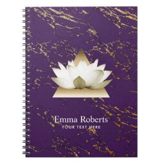 Lilor för guld- lotusblomma för Yoga moderiktiga & Anteckningsbok Med Spiral