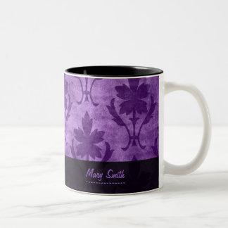 Lilor för namn för vintagemönsteranpassningsbar Två-Tonad mugg