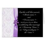 Lilor och damastast bröllopinbjudan för svart kort