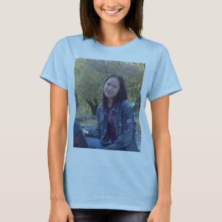 lisa projekterar t-shirts