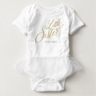 Lite daterar systeranpassningsbar rakt meddelande t-shirt