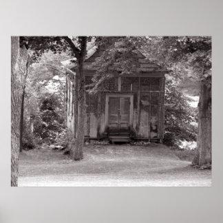 Lite ett hus i skogenaffischen posters