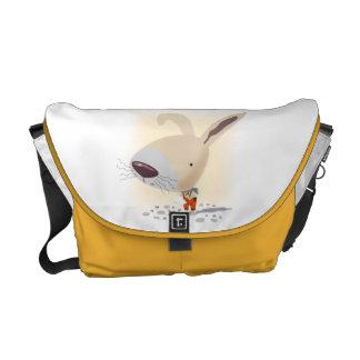 Lite hänger lös kaninen i orange byxor messenger messenger bag