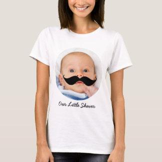 Lite mamma för foto för rakapparatmustaschpojke ny tshirts