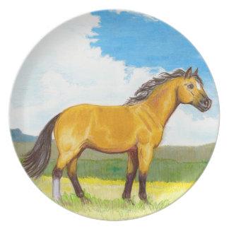 Lite pläterar hästen på prärien tallrik