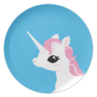Lite pläterar unicornen med den rosa manen tallrik