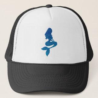 Lite sjöjungfru på en stor hatt truckerkeps