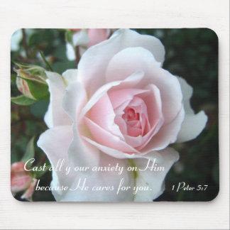Liten delikat rosa ros musmatta