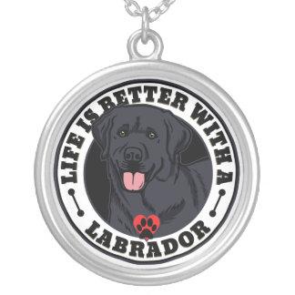 Liv är bättre med en Labrador Silverpläterat Halsband