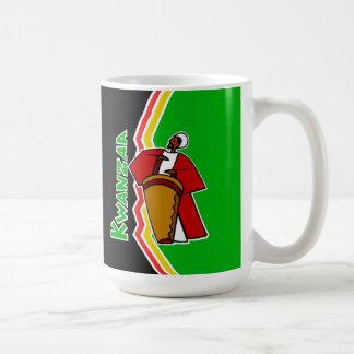 Ljud av den Kwanzaa Kwanzaa muggen Kaffemugg