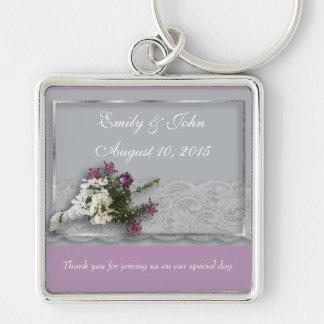 Ljung- och snörebröllopfavör fyrkantig silverfärgad nyckelring