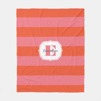 Ljus görad randig orange- och rosaMonogram Fleecefilt