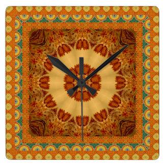 Ljus orange och guld inramad Mandala Fyrkantig Klocka