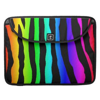 Ljus regnbåge färgad zebra ränder MacBook pro sleeve