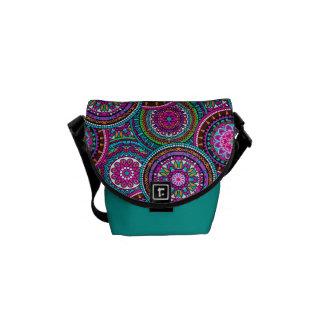 Ljust bohemiskt Boho Hippy chic mönster Kurir Väskor