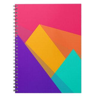 Ljust färgade geometriska trianglar och pyramider anteckningsbok med spiral