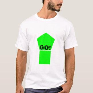 Ljust - grönt upp pil GÅR! text på vitt-skjortan Tshirts
