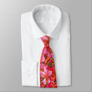 Ljust rosa orange hawaianskt Plumeriatryck Slips