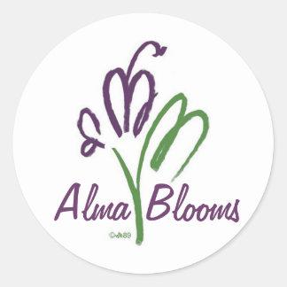 Logotyp och namn runt klistermärke