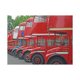 London röda bussar i en rokanvastryck canvastryck