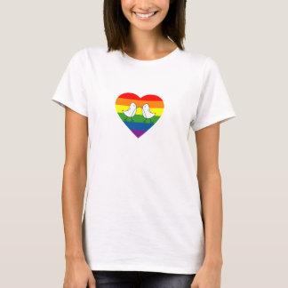 Love birds i regnbågehjärta tee shirt