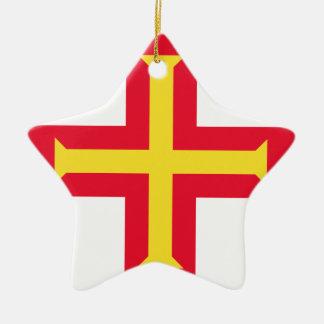 Lowen kostar! Guernsey flagga Julgransprydnad Keramik