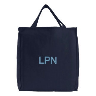 LPN-sjuksköterskan hänger lös Kassar