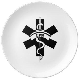 LPN-sjuksköterskor Porslinstallrik