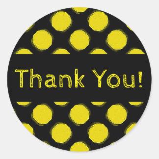 Luddigt ljust gult och svart polka dotstack runt klistermärke