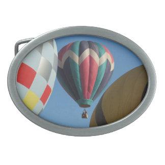 Luftballongbältet spänner fast