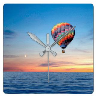 Luftballongen avbildar för Square väggen tar tid Fyrkantig Klocka