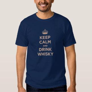 lugna behålla och drinkwhisky tshirts