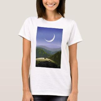 Luna kick Rez.jpg T Shirt