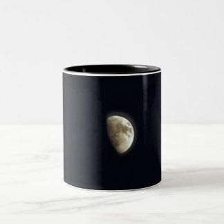 Lunar astronomifoto för halvmåne Två-Tonad mugg