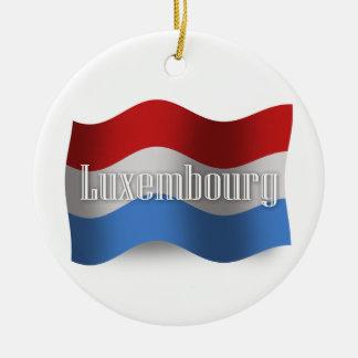 Luxembourg som vinkar flagga rund julgransprydnad i keramik