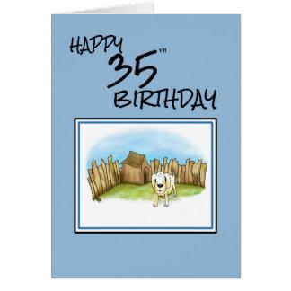 Lycklig 35efödelsedag med tecknad hund i trädgård hälsningskort