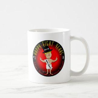 Lycklig åtta nya år kaffemugg