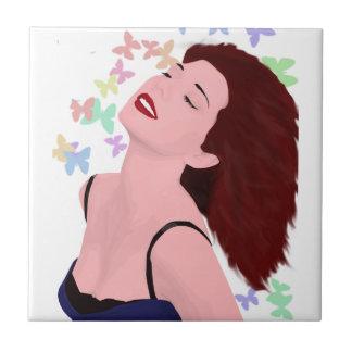 Lycklig och optimistisk kvinna med fjärilar kakelplatta