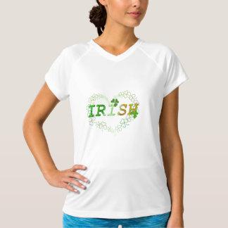 Lycklig Shamrock för irländsk hjärta T-shirts