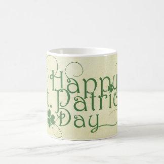 Lyckliga lantliga Sts Patrick dag Vit Mugg