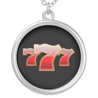 Lyckliga sju silverpläterat halsband