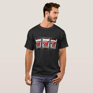 Lyckliga trefaldiga Sevens på enarmad bandit T-shirts