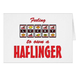 Lyckligt att äga Haflinger en rolig hästdesign Hälsningskort