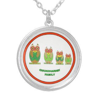 Lyckligt Chickcharnie familjhalsband Silverpläterat Halsband