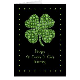Lyckligt Sts Patrick kort för dagfödelsedag