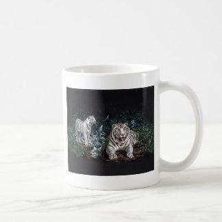 Magical djungel för vittiger kaffemugg
